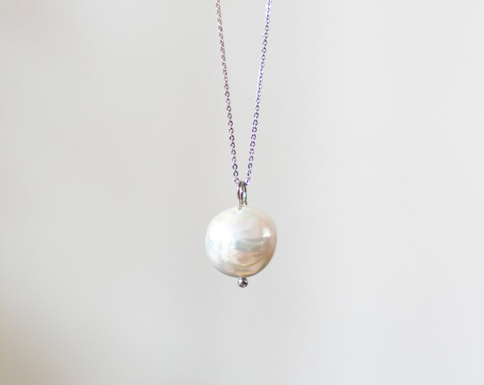 Lúa Moon Pearl Necklace