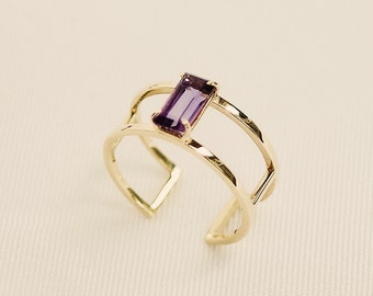 A p h r o d i t ē | 9kt gold ring with amethyst