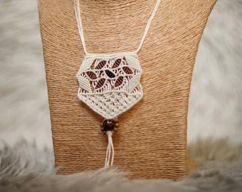 Boho.oho flower petals macrame necklace