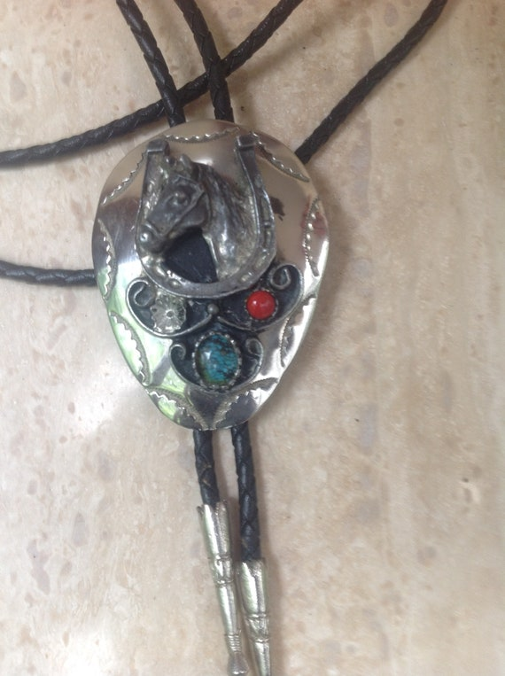 Western BootLace Cowboy Tie Horse Head Style Bolo Tie Necklace Western Styling Bolo Tie Vintage