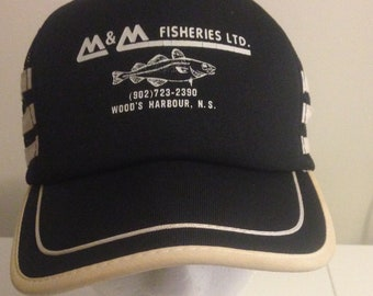 a63c984d2f104 VINTAGE 80s TRUCKER HAT Black Racer Strip Fisheries Advertising