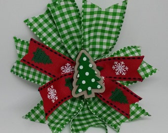 Merry Christmas Green Pinwheel Bow with Tree!