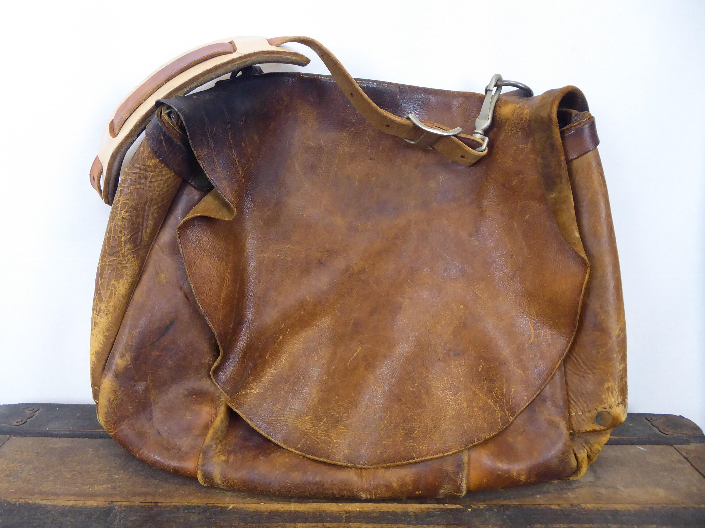 10811b3b9739 60s Leather Mailbag