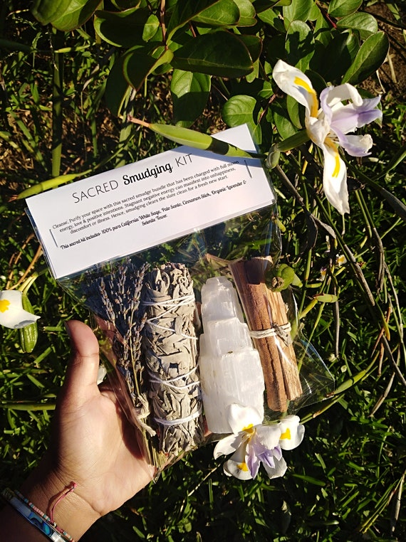 Sacred Smudging Kit, Smudge Sticks, Smudging Tool, White Sage, Holy Palo Santo, Cinnamon, Selenite, Complete kit for house clearing