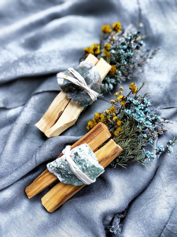1pc Abundance & gratitude bundle with raw moss agate and palo santo- Smudging, healing, aromatherapy, cleansing, abundance