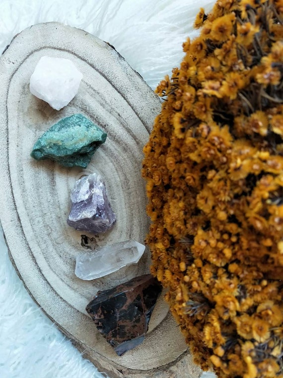 Crystal essential bundle- protection, love, purity, good luck, wealth. All natural raw pieces