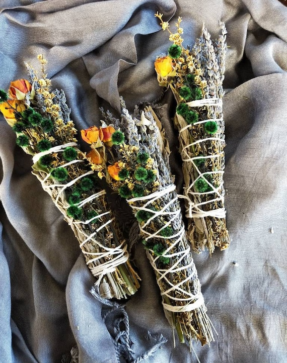 1 pc 'Aurora' smudge stick- Power of sunlight, cleansing, alter, spiritual well-being, smudging tool, aromatherapy