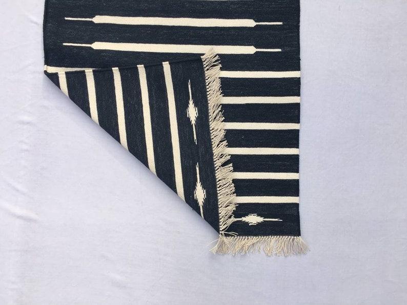 Black And White Hand woven Runner Multiple Sizes Black /& White Modern Striped Rug Runner