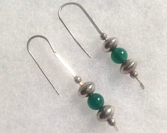 Vintage! Long dangling emerald green and silver pierced earrings.