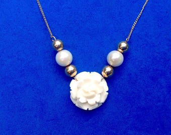"""Vintage! 14k gold pearl necklace. 18"""" w/ rose center, real pearl accents"""