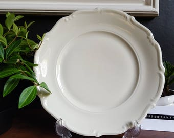 Vintage 1940's off-white china plate