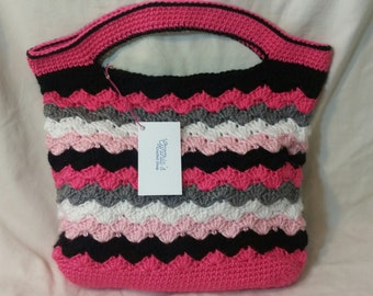 Small Crocheted Tote Bag in pink/gray/black/white
