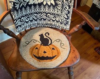 """Rug Hooking Kit """"Jack-O-Lantern Chair Pad"""""""