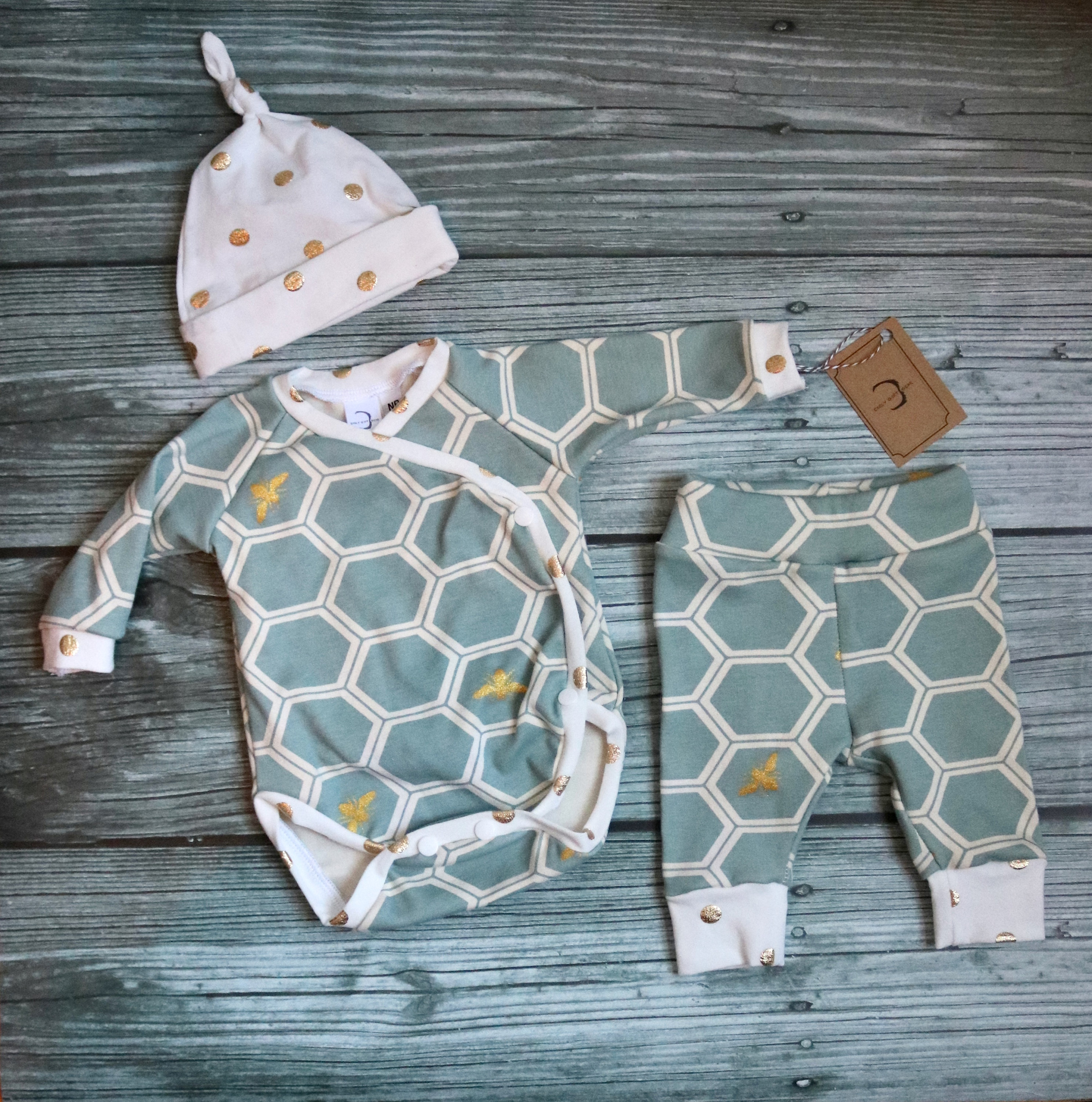 59233923a3d41 LIMITED EDITION Organic Cotton Baby Clothes | Honey bee | Unisex | Preemie  & Newborn Coming Home Outfit | Kimono set | Baby Shower Gift