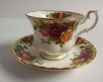 Royal Albert Bone China England Old Country Roses Tea Cup and Saucer
