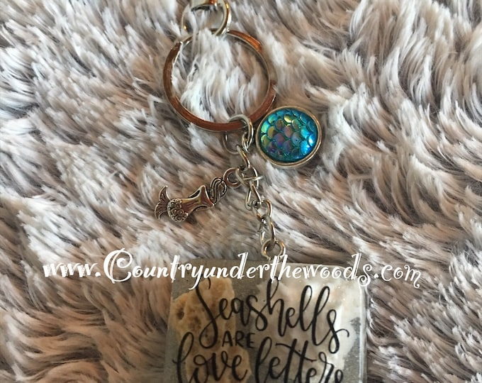 Seashell Keychain / Purse Bling, Ready for shipping, keychains, Decals, Beach theme,