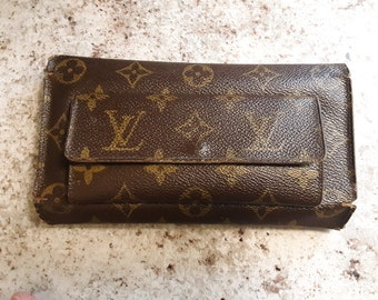9971f9b1db8c Vintage Louis Vuitton wallet with coin pouch