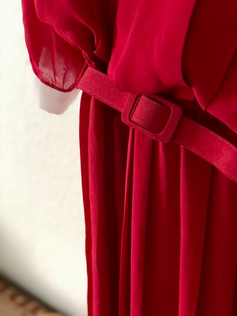 Vintage Red Pleated Chiffon Dress with Bow and Lace Accents