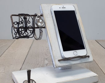 Rustic little docking station for cell phone and accessories