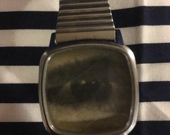 Vintage wrist watch with eye