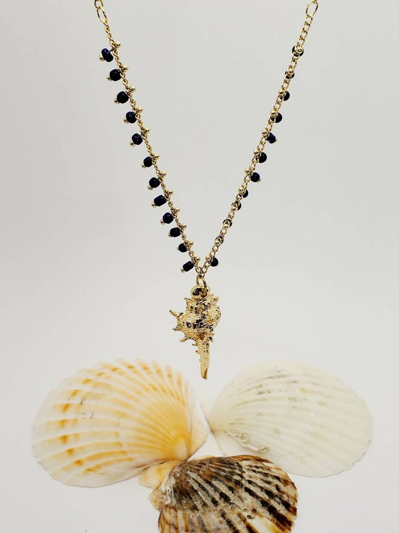 Perfect Birthday Gift Shell Pendant Necklace Beautiful Blue Miyuki Seed Gold Plated Shell Necklace