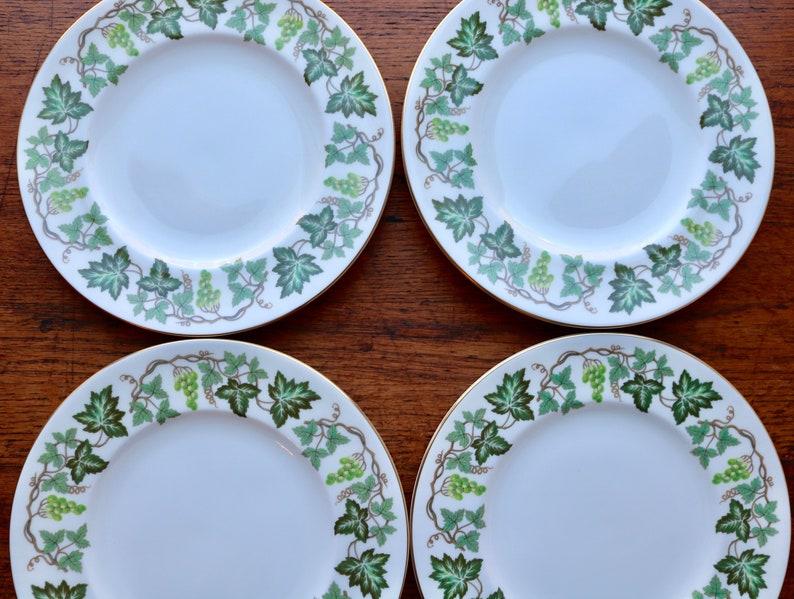 Wedgwood Santa Clara Salad Plates Set Of 4 Vineyard Green Grapes Leaves /& Vines On Rim Gold Trim Made In England