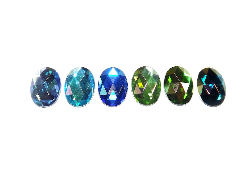 Resin cabochon faceted 25 x 18 mm