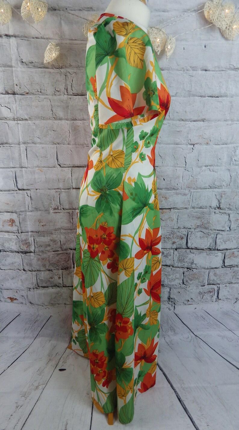 Vintage retro maxi dress Size 8 10 Bust 34 floral vibrant 70s tropical orange green white