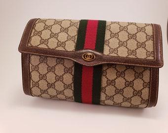 8cb824ba6b8 Authentic Vintage Gucci Clutch