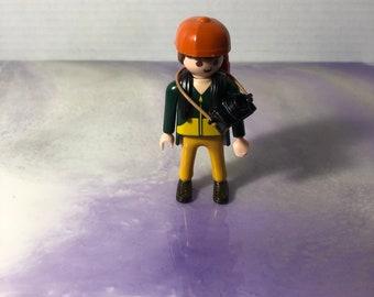 Little Girl with Blonde Hair,Pink Ice Skates /& Helmet Playmobil   Figure NEW