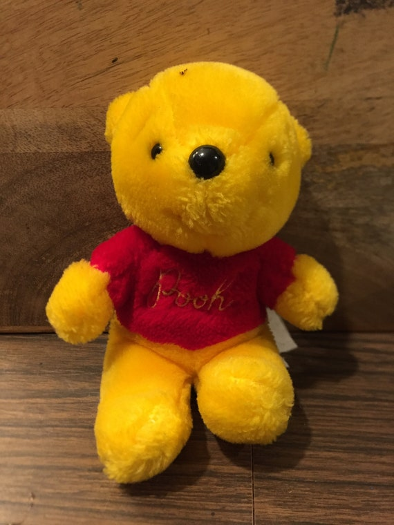 NEW Wearing Winter Scarf Ty Beanie Ballz Christmas Plush Winnie the Pooh
