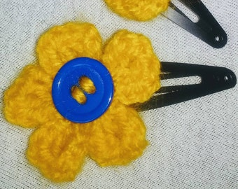 Flower crochet pair of hair clips