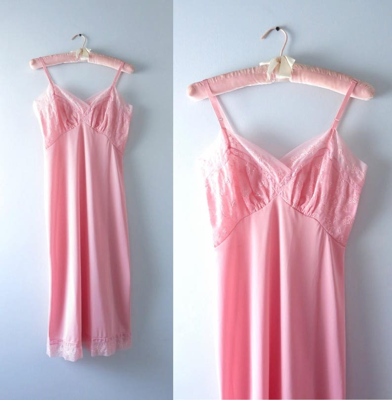 Vintage 1960s Vanity Fair Pink Embroidered Full Slip M image 0
