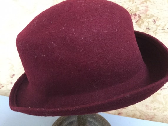 Simple unstructured 1980s wine red coloured felted