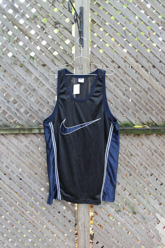 Vintage Nike / Nike Basketball / Sportswear / Embr