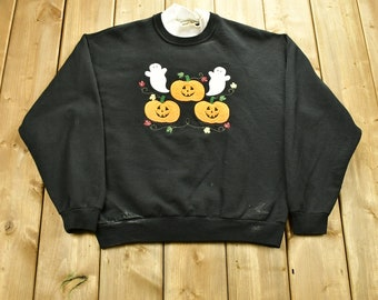 Vintage 90's Halloween Pumpkin Graphic Woman's Crewneck Sweater / 90s Holiday Crewneck / Fall Wear / Festive Graphic Print / Spooky Sweater
