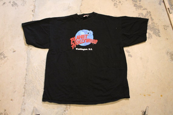 Vintage T-Shirt / Planet Hollywood Logo Graphic /