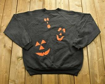 Vintage 90's Halloween Graphic Crewneck Sweater / 90s Holiday Crewneck / Winter Wear / Festive Graphic Print