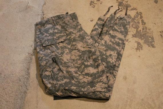 Desert Camo / Cargo Pants / Army / Military Appare