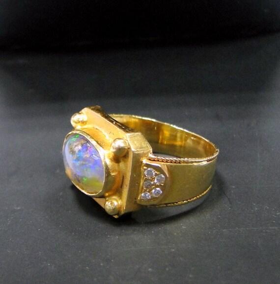Opal Ring Vintage 18 K solid gold black opal Diamo