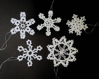 Crochet snowflakes. Set of 5. Different sizes.
