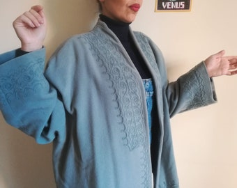BYBLOS CAPE cappotto stile Vintage 80 donna luce blu ricamato lana breve  cappotto Made in Italy TG. 44 8838bd623db
