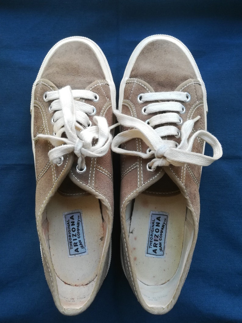 a8ed9991180be ARIZONA JEAN COMPANY Tennis Shoes Vintage 80 Woman Lace Up Tennis Shoes  Oatmeal Beige Suede Sneakers sz. 38
