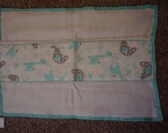 Aqua animals burp cloth