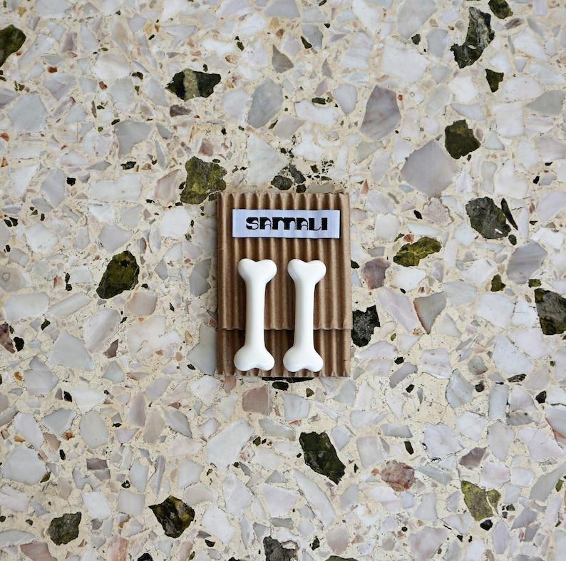 samali bone hair clip