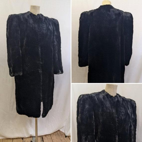 1940s Large shoulder Fur Coat