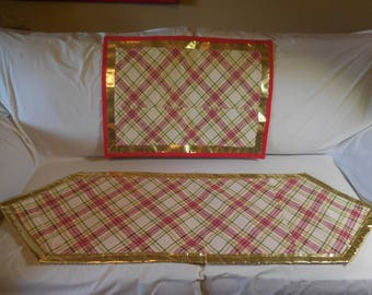 Table Runner with Matching Mat