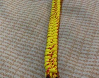 9 1/2 Inch Paracord Bracelet (Fishtail weave)