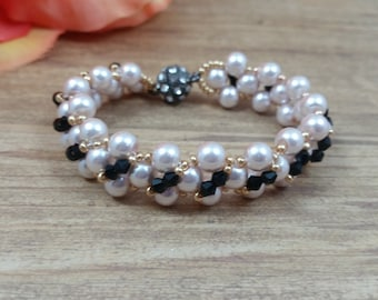 Light Pink Pearl Glass Bead, Gold Seed Bead, and Black Crystal Bead Bracelet, Weaving bracelet, with Rhinestone Plated Magnetic Clasp