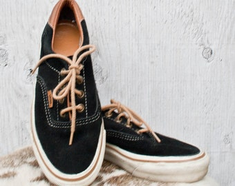6d404ce0c845f9 80s VANS Sneakers - - Size 6.5 Womens - Vtg Black Suede Leather Vans Shoes  - 90s - Lace Up sneakers - Vintage VANS Sneakers - Skate Fashion